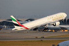 Emirates B777-300ER A6-EPI departing HKG/VHHH (Jaws300) Tags: emiratesairline unitedarabemirates cheklapkok hongkongcheklapkokinternationalairport emirates b777300er a6epi departing b777 b773 b777300 ek hong kong chek lap kok international airport runway07r 07r atc tower airtrafficcontrol air traffic control hka vhhh hkia clk boeing jet runway china terminal gate ramp apron parked parking contrail contrails condensation trail vortex vortecy vortecies moisture