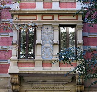 A classical oriel, Barcelona