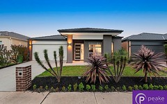 15 Brightstone Drive, Clyde North VIC