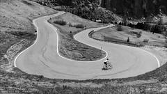 The Switchback (Torsten Frank) Tags: alpen altoadige dolomiten fahrrad gebirge gherdëina giroditalia gröden grödnerjoch haarnadelkurve italien judefrara jëufdefrea kehre kurve pass passogardena passstrase radfahrer radrennen radsport rennrad sellagruppe sellastock serpentine sportler strase südtirol bike bicycle cycling