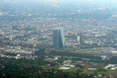 ECB (Wolfgang Binder) Tags: ecb ezb frankfurt skyline building city flight windowseat nikon d7000 zeiss planar planart2100
