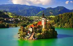 Siete veri avventurieri? Preparatevi per un affascinante itinerario al Lago di Bled (Cudriec) Tags: escursione escursioni europa europadellest ideeperlafamiglia ideepersanvalentino ideeperweekend ideerelax ideevacanza ideeviaggio ideeweekend ideeweekendromantici laghi lago lagodibled luoghinaturalistici montagna natura slovenia vacanzeineuropa viaggiareineuropa weekendinmontagna