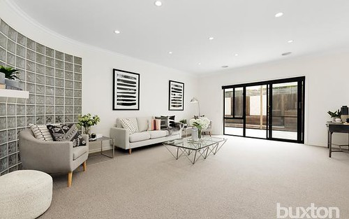 2/57 Fourth St, Parkdale VIC 3195