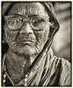 PORTRAIT D'UNE VIEILLE FEMME RIDÉE (pierre.arnoldi) Tags: inde india portraitdefemme portraitsderue portaitnb photoderue photooriginale photodevoyage photographequébécois photonb canon6d on1raw tamron bestportraitsaoi