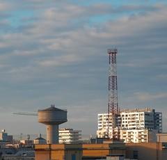 paesaggio urbano / urban landscape (biotar58) Tags: bari puglia italia apulien italien apulia italy southernitaly southitaly decembermorning mattinadidicembre jupiter9 cielo sky nuvole clouds