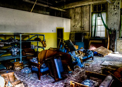 Abandoned South Carolina Mental Hospital: Nurse's Lounge (that_damn_duck) Tags: southcarolinamentalhospital decaying abandoned urbex urbanexplorer asylum lunaticasylum mentalhospital