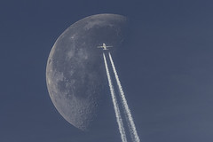 (sean.savage) Tags: moon con trails nikon d810 600mm f4 bluemoon boing airbus sky jet transport flying airplaine airline full fly