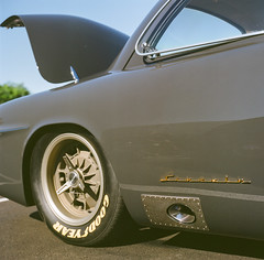 Track ready (GmanViz) Tags: gmanviz color car automobile detail 1951 ford custom streetrod wheel tire fender badge script type film analog 6x6 120 mediumformat hasselblad 500cm zeissplanar80mmf28 fujifilm reala goodguysppgnationals gt51