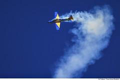 Número 5 em ação (Força Aérea Brasileira - Página Oficial) Tags: fotoandrefeitosa fab forcaaereabrasileira forçaaéreabrasileira bauru sp ceu esquadrilhadafumaca esquadrilhadafumaça aviao a29 a29supertucano helice turbohelice fumaca azul aeronautica manobra aircraft smoke acrobacia