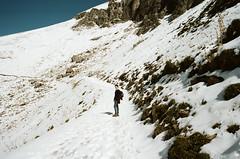 (Kathleen Vtr) Tags: portrait wanderer snow mountainscape sunshine autumn hike hiking explore swissalps outdoor switzerland 35mm analog film canonae1 kodakportra analogue argentique