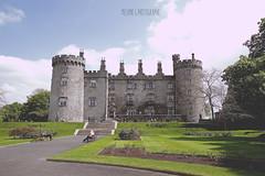 Kilkenny castle (Mélanie's art) Tags: canon 7d chateau castle kilkenny irlande eire republic ireland garden aprk parc jardin pierre roc paysgae landscape