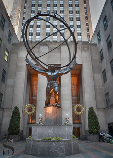 Atlas at the Rockefeller center 3