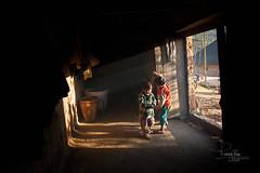 _U1H6586. Y Tý,Bát Xát-Lào Cai 0217 (HUONGBEO PHOTO) Tags: tianắng trẻem làocai bátxát ýtý northvietnam peaceful photography countryside sunbeam sunray childrens indoor