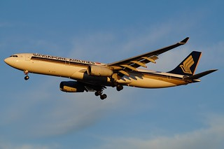 9V-STU Singapore Airlines Airbus A330-343