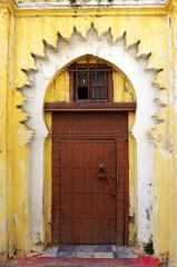 Doors Of Tanger No. 9 (TablinumCarlson) Tags: afrika africa marokko morocco tanger tür door medina altstadt city old town leica fassade tangier طنجة tandscha tanga maghreb strait gibraltar maroc northern nordafrika dlux 6 gebäude architektur gelb yellow braun brown holz
