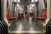 Landungsbrücken raus... (michael_hamburg69) Tags: ubahn hamburg germany deutschland subway tube underground rot red polster leer empty hvv dt5 u3 transport öffentlichernahverkehr