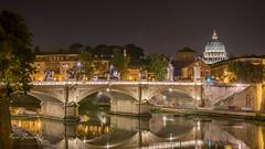 Puente Victor Manuel II (Paco Ferrándiz) Tags: roja roma san pedro vaticano cúpula esculturas