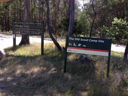 Sign entering Macedon Regional Park from south