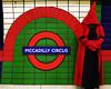 Piccadilly (Atreides59) Tags: korrigan london londres tube metro metropolitan underground vert green rouge red bleu blue pentax k30 k 30 pentaxart urban urbain city atreides atreides59 cedriclafrance piccadilly