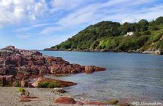 Talland Bay (Dave Snowdon (Wipeout Dave)) Tags: canoneos80d davidsnowdonphotography cornwall tallandbay landscape shore shoreline beach sea rocks house bay trees englishchannel coast england