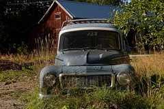 Volvo Duett  P 210 (Burminordlicht) Tags: volvocars vintagecars veteranbilar veteranbil veteranfordon volvo classiccar classiccars carimages car automobiles oldtimercars oldtimer schweden volvoduett duett p210 scrapcar scrapyard junk junkcars junkyard