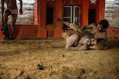 Kushti wrestlers in Varanasi (puuuuuuuuce) Tags: india varanasi kushti wrestling