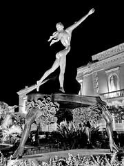 A Salvador Dalí sculpture (gerard eder) Tags: world travel reise viajes europa europe art arte kunst sculpture skulptur escultura salvadordalí dali städte street streetlife streetart city ciudades cityscape cityview outdoor monuments