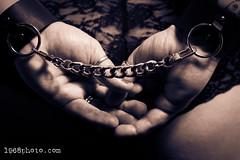 Photoshoot 2017-Nov (1968photo) Tags: woman portrait female kvinna monotone monochrome handcuffs hands people sepia