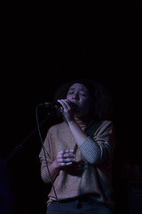 Honey (PerilunePhoto) Tags: music musicphotography clevelandmusic livemusic thewhiskeyhollow lizbullock lowlight coloredlight composition negativespace