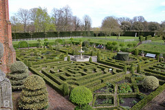 The Formal Garden (Can Pac Swire) Tags: england english great britain british manor house stately home mansion hertfordshire hatfield al9 jacobean building architecture 1600 1610 1600s 1610s formal garden 2016aimg1786