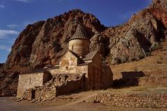 Noravank - monastère 5 (luco*) Tags: arménie armenia noravank vank monastère monastery monastir flickraward flickraward5 flickrawardgallery