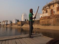 Boatman on the river Yamuna (alainloss) Tags: india uttarpradesh bateshwar yamuna boatman