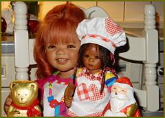 Sanrike und Leleti ... (Kindergartenkinder) Tags: leleti reki kindergartenkinder annette himstedt dolls tivi sanrike advent backen plätzchen