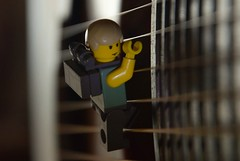 Luke skywalker (Gilles Cherriffa) Tags: guitare lego miniature minifigurine miniscene scene figurine jedi starwars escalade toy toys adventure