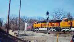 BNSF ES44DC #7522 and C44-9W #4002 move west out of Argentine Yard with an intermodal onto the Emporia Sub. 1/10/15 M.J. Rodriguez photo. (m.j.rodriguez) Tags: 4002 7522