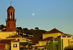 La torre y la Luna (portalealba) Tags: cómpeta axarquía málaga andalucía españa spain portalealba canon eos1300d luna torre