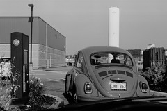 (<mmb>) Tags: 35mm acros acros100 agfa analog auto automobile bw beetle blackwhite bug car film fujifilm newbrunswick saintjohn selectronic selectronic3 volkswagen vw
