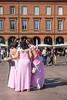 Portrait de groupe avec dames (Jean-Pierre OLLIVIER) Tags: toulouse streetphotography 2017 couleurrose placeducapitole