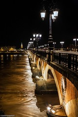 Pont de pierre Bordeaux (loopographie) Tags: lumiere eau garonne bordeaux pont nuit couleur