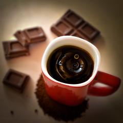 instant coffeebreak (Uniquva) Tags: flickrfriday coffeebreak cup coffee chocolate red