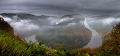 A moody morning (Eifeltopia) Tags: saarschleife bend loop foggy misty moody saarland cloef saar trip travel morning clouds panoramic river trees autumnal herbst autumn fall