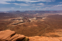 Green River overlook - Canyonlands N.P. - Utah (Cath Dominguez) Tags: whiterim islandinthesky coloradoriver greenriver horizon