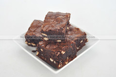 Brownies com snickers e amendoim (Letrícia) Tags: brownies chocolate snickers peanuts amendoim