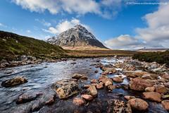 Wandering up the River Coupall (Damon Finlay) Tags: glencoe scottishhighlands scottish highlands buachaille etive mòr buachailleetivemòr stob dearg stobdearg islands highlandsandislands scotland mountains wilderness nikon d750 nikond750 nikkor 1635mm f4 nikkor1635mmf4 river coupall rivercoupall