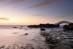 石門拱橋 (Lavender0302) Tags: 夕陽 流雲 拱橋 石門情人橋 石門洞 石門 新北市 台灣 taiwan sunset clouds bridge