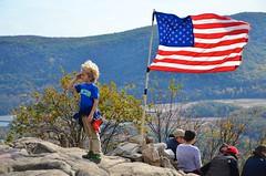 Everett Atop Anthony's Nose (Joe Shlabotnik) Tags: october2017 newyork flag 2017 anthonysnose usa everett afsdxvrzoomnikkor18105mmf3556ged