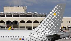 EC-MBT LMML 15-11-2017 (Burmarrad (Mark) Camenzuli) Tags: airline vueling airlines aircraft airbus a320232 registration ecmbt cn 6128 lmml 15112017