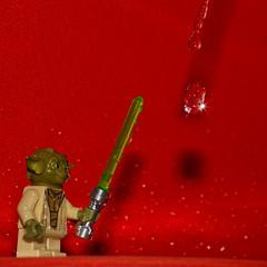Yoda and the water control (Elisabeth Lys) Tags: lego starwars nikon d7200 droplet gouttes highspeedphotography hightspeedphoto macrophotography macro sigma 105mmf28 yoda