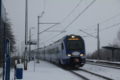 PKP IC ED160-009 , Smroków train station 30.11.2017 (szogun000) Tags: smroków poland polska railroad railway rail pkp station ezt emu set electric stadler newag flirt l4292 ed160 ed160009 pkpic pkpintercity train pociąg поезд treno tren trem passenger ic intercity 83106 wawel d298 winter snow małopolskie małopolska lesserpoland canon canoneos550d canonefs18135mmf3556is