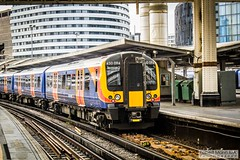 LondonWaterlooRailStation2017.10.31-17 (Robert Mann MA Photography) Tags: londonwaterloorailstation londonwaterloostation londonwaterloo waterloorailstation waterloostation waterloo lambeth londonboroughoflambeth london greaterlondon station trainstation trainstations railwaystation railstation railwaystations railstations railway railways architecture train trains city centre cities londoncitycentre 2017 tuesday autumn 31stoctober2017 networkrail networkrailwaterloo southwesttrains southwesternrailway class450 desiro class450desiro class444 class444desiro class707 desirocity class707desirocity class458 juniper class458juniper class455 class456 class159 southwesternturbo class159southwesternturbo